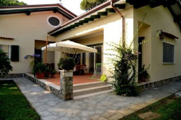 Beautiful single villa in Forte dei Marmi