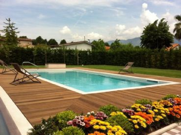 Beautiful newly built villa for rent in Forte dei Marmi with pool and garden