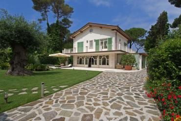 : Single villa For rent and for sale  Forte dei Marmi