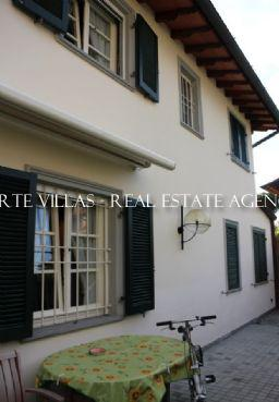 Single villa for rent near the center of Forte dei Marmi Versilia