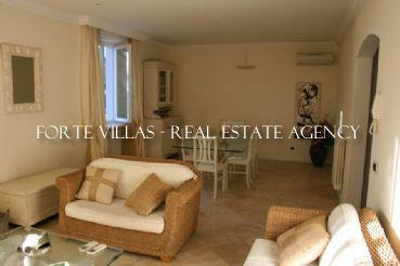 Apartment on two floors in the heart of Forte dei Marmi