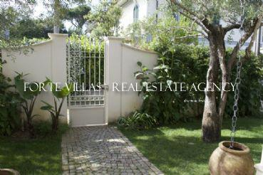 Cozy single villa near the sea in Forte dei Marmi