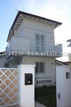 : Detached villa To rent and for sale  Forte dei Marmi
