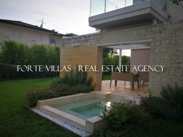 Villa for rent in Forte dei Marmi with garden