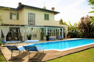 Beautiful Tuscan style villa with swimming pool in Forte dei Marmi
