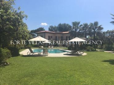 Stunning newly built villa in Forte dei Marmi with heated pool
