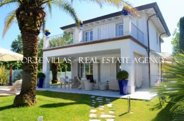 Beautiful newly built villa for rent in the Vittoria Apuana area Forte dei Marmi
