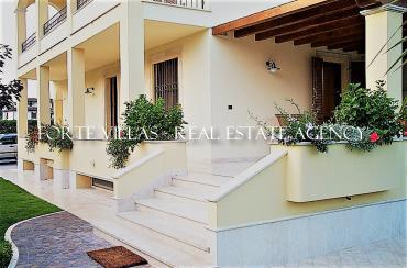 Holiday house semi detached villa for rent in  Forte dei Marmi