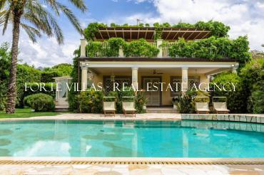 Very elegant villa for rent in Forte dei Marmi