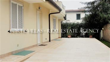 : Single villa For rent  Forte dei Marmi